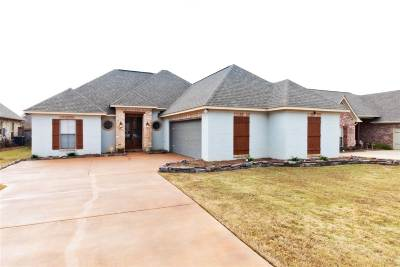 Flowood Single Family Home Contingent/Pending: 909 Abundance Xing