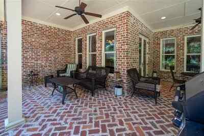 Clinton Single Family Home For Sale: 109 Dunton Hill Ln