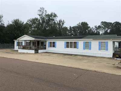 Covington County Commercial For Sale: 900 Arrington St