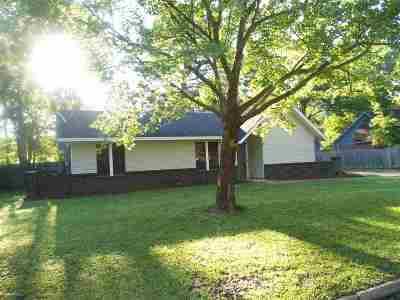 Byram Single Family Home For Sale: 636 Cedar Springs Dr