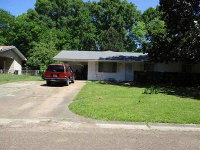 Jackson Single Family Home For Sale: 1056 Woodville Dr