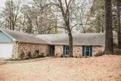 Clinton Single Family Home For Sale: 103 Bent Oak Cv