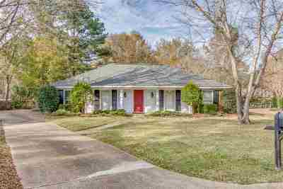 Madison County Single Family Home For Sale: 207 Sarah Cv