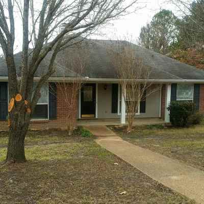 Madison County Single Family Home Contingent/Pending: 430 West Place