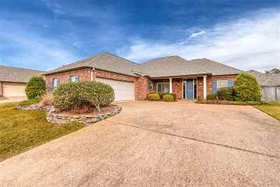 Brandon Single Family Home For Sale: 153 Willow Crest Cir