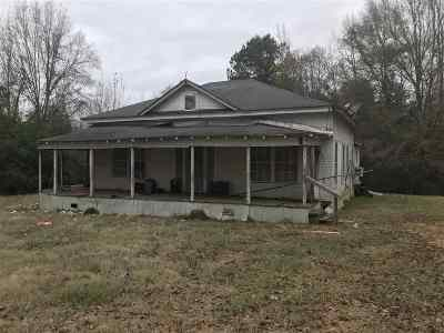 Carthage MS Single Family Home For Sale: $18,000