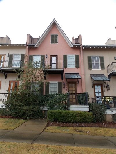 Ridgeland Townhouse For Sale: 703 North Lake Ave
