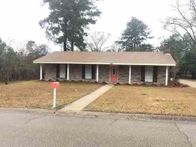 Simpson County Single Family Home Contingent/Pending: 602 SE Pinewood Dr