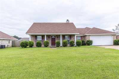 Pearl Single Family Home For Sale: 205 White Oak Pl