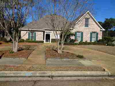Ridgeland Single Family Home Contingent/Pending: 601 Abbot Ln