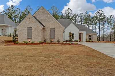 Madison Single Family Home For Sale: 145 Stone Creek Dr