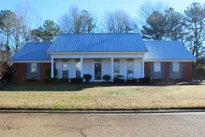 Byram Single Family Home Contingent/Pending: 921 Mountain Crest Dr
