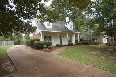 Madison County Single Family Home For Sale: 241 Clark Farms Rd