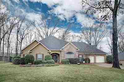 Madison County Single Family Home For Sale: 284 Woodland Brook Dr