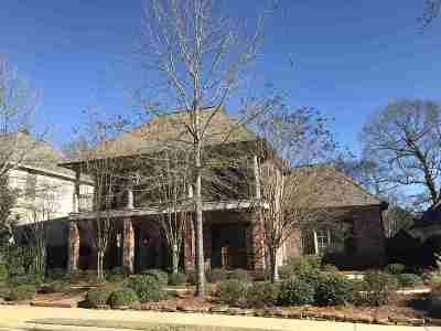 Madison County Single Family Home For Sale: 108 Charlestowne Sq