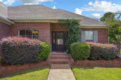 Canton Single Family Home For Sale: 897 N Deerfield Dr
