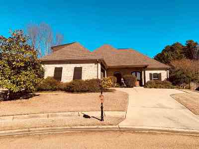 Flowood Single Family Home For Sale: 128 Belle Meade Blvd