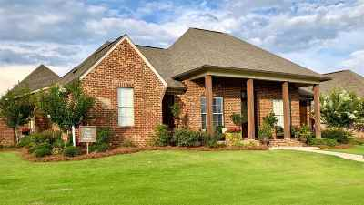 Madison County Single Family Home For Sale: 108 Claiborne St