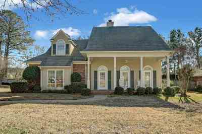 Madison County Single Family Home For Sale: 341 Indian Gate Cir
