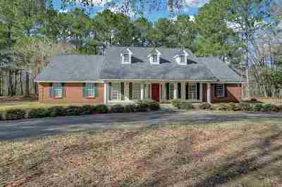 Hinds County Single Family Home For Sale: 1240 Spring Lake Cv