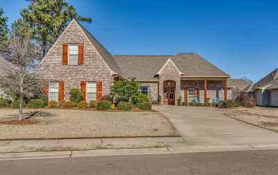 Madison County Single Family Home For Sale: 151 Grayhawk Dr