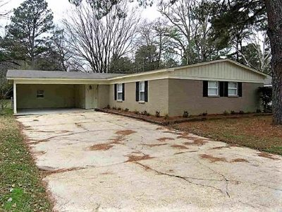 Hinds County Single Family Home For Sale: 711 Berkshire St