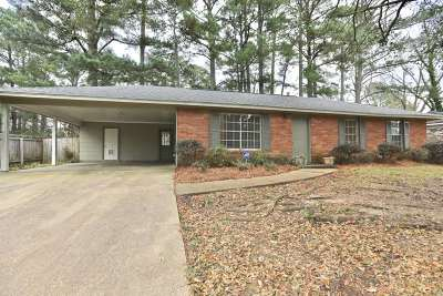 Ridgeland Single Family Home For Sale: 606 S Wheatley St