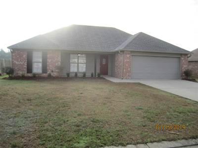 Pearl Single Family Home Contingent/Pending: 179 Cedar Spring Cir