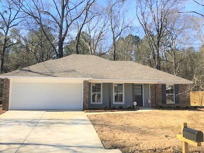 Byram Single Family Home For Sale: 221 Berlin Pl