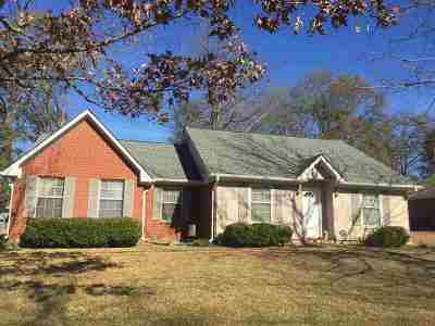 Madison County Single Family Home For Sale: 411 Summer Hill Rd