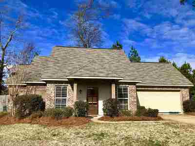 Brandon Single Family Home For Sale: 421 Oak Bend Dr