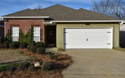 Brandon Single Family Home For Sale: 434 Stoneybrook Dr