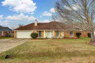Brandon Single Family Home For Sale: 108 Peach Tree Ln