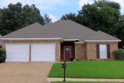 Brandon Single Family Home For Sale: 320 Greengate Cir