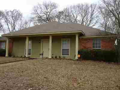 Ridgeland Single Family Home Contingent/Pending: 135 Timbercrest Dr
