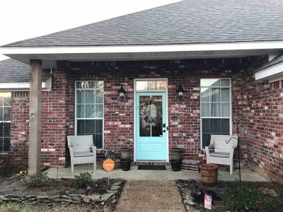 Brandon Single Family Home Contingent/Pending: 564 Lincolns Dr