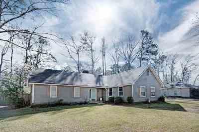 Brandon Single Family Home For Sale: 108 Poplar Dr