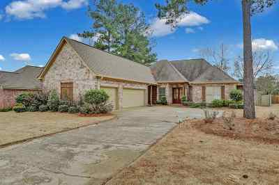 Madison Single Family Home For Sale: 127 Hemlock Ln