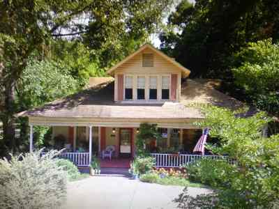 Single Family Home For Sale: 322 East Jefferson St