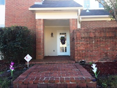 Jackson Townhouse Contingent/Pending: 985 Chastain Dr