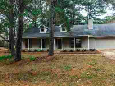 Brandon Single Family Home Contingent/Pending: 195 Bellgrove Cir