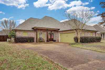Canton Single Family Home For Sale: 152 Harvey Crossing