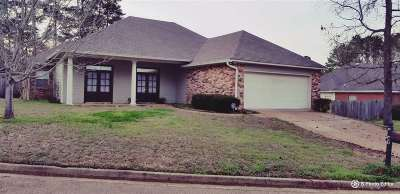 Byram Single Family Home For Sale: 63 Dianne Cv