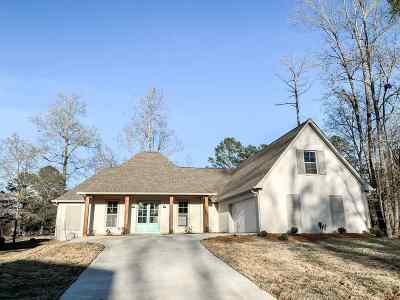 Canton Single Family Home For Sale: 108 Pine Ridge Dr
