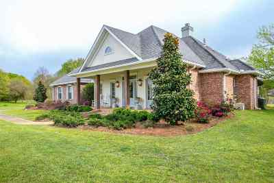 Madison Single Family Home For Sale: 134 Arrington Dr
