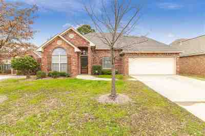 Brandon Single Family Home For Sale: 1015 Bow Sprit Ln
