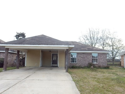 Pearl Single Family Home Contingent/Pending: 311 Green Meadow Dr