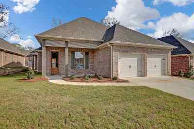 Ridgeland Single Family Home For Sale: 37 Enclave Cir