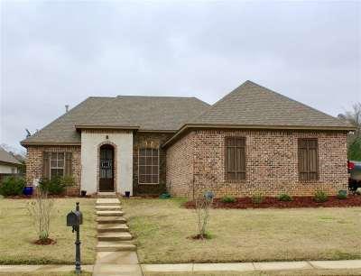 Brandon Single Family Home For Sale: 245 Stonebridge Blvd