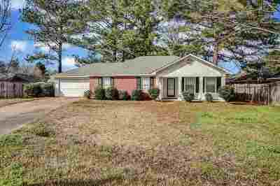 Byram Single Family Home For Sale: 303 River Bend Dr